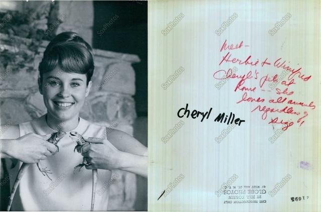 cheryl miller with iguanas